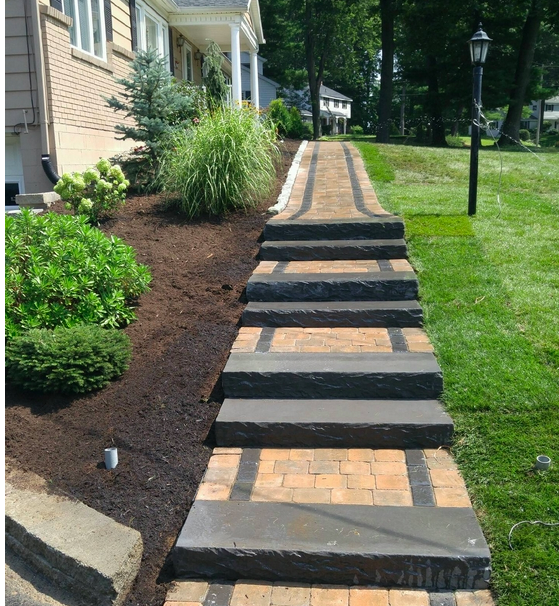 Landscaping Company Halfmoon, Clifton Park, lawn maintenance, patio installations